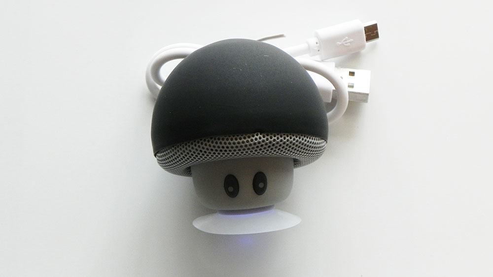 mini-mushroom-bluetooth-speaker